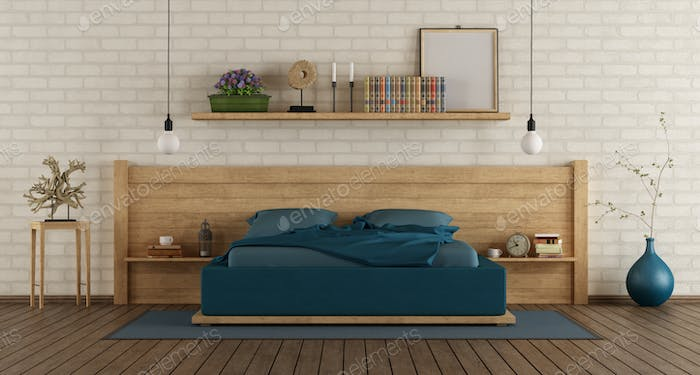 Mater bedroom with wooden duoble bed