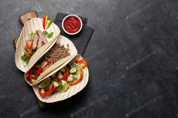Set of mexican tacos
