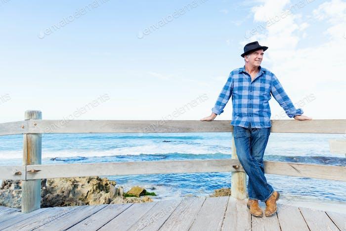 Schöner Morgen, um Ozean zu treffen