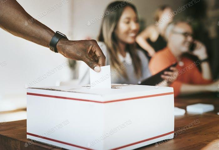 Encuesta de votación sobre democracia