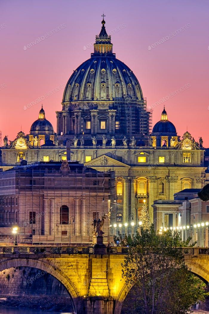 Die Basilika St. Peters in der Vatikanstadt