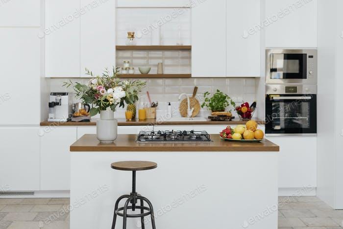 Modern fully equipped home kitchen decor