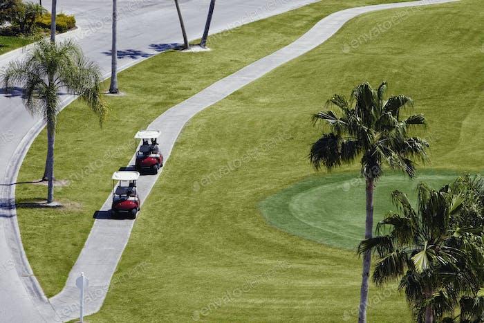 Karren auf einem Golfplatz