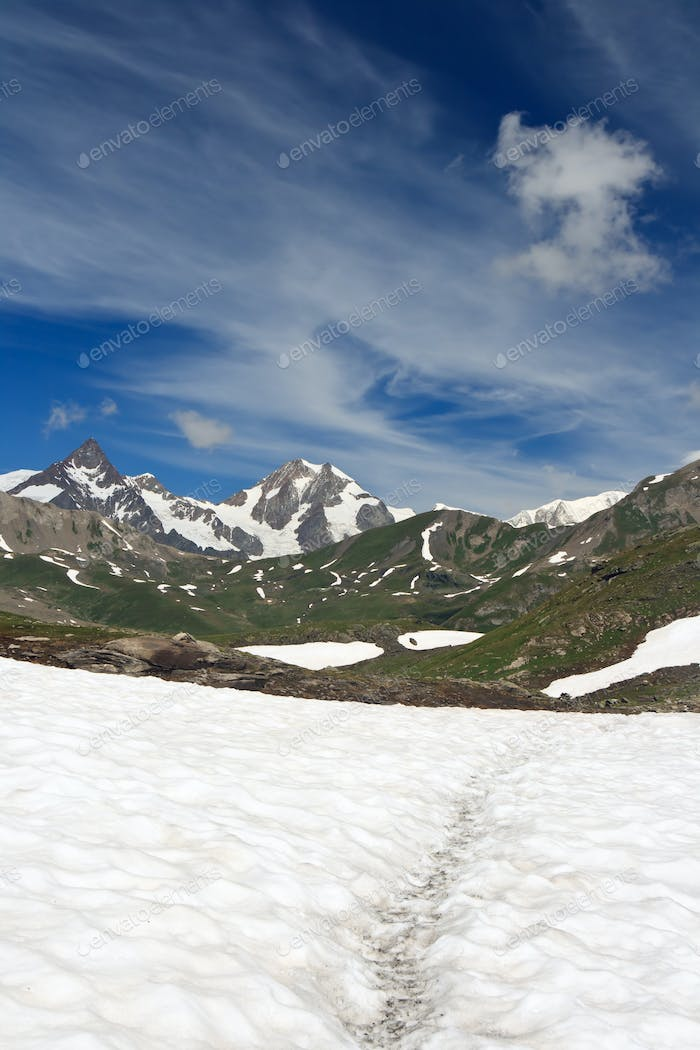 Pointe Rousse pass, Italy