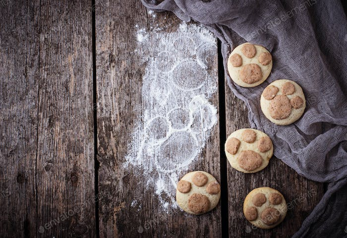 Cookies in the shape of cats paw
