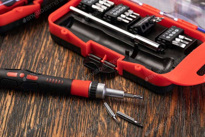 Mechanical bit tool set