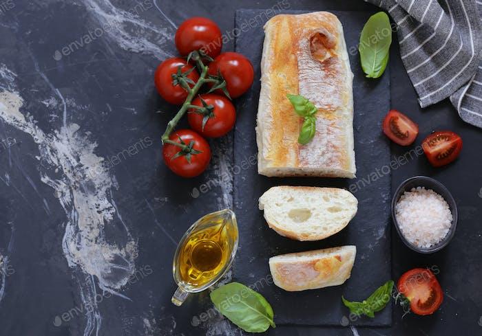 hausgemachtes italienisches Ciabatta Brot