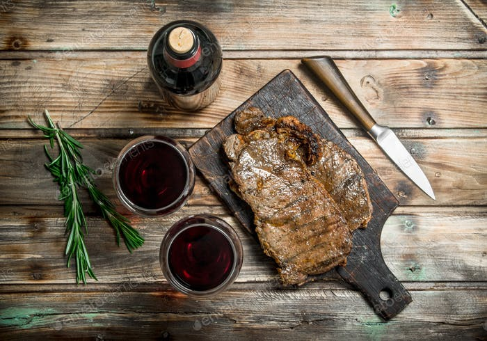 Roast beef steak with red wine.