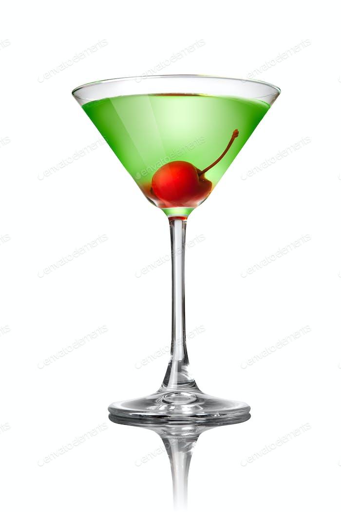 Grüner Martini-Cocktail auf weiß isoliert