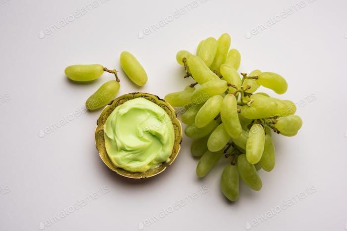 Green grapes, yogurt and honey mix face mask