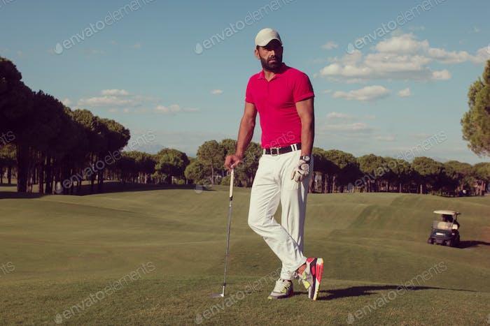 портрет игрока в гольф