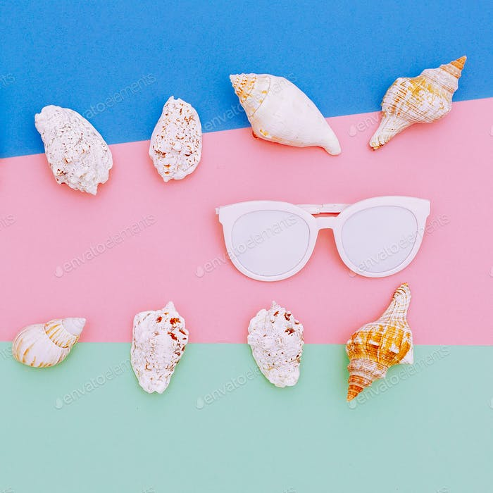 Set seashells and sunglasses. Minimal art design