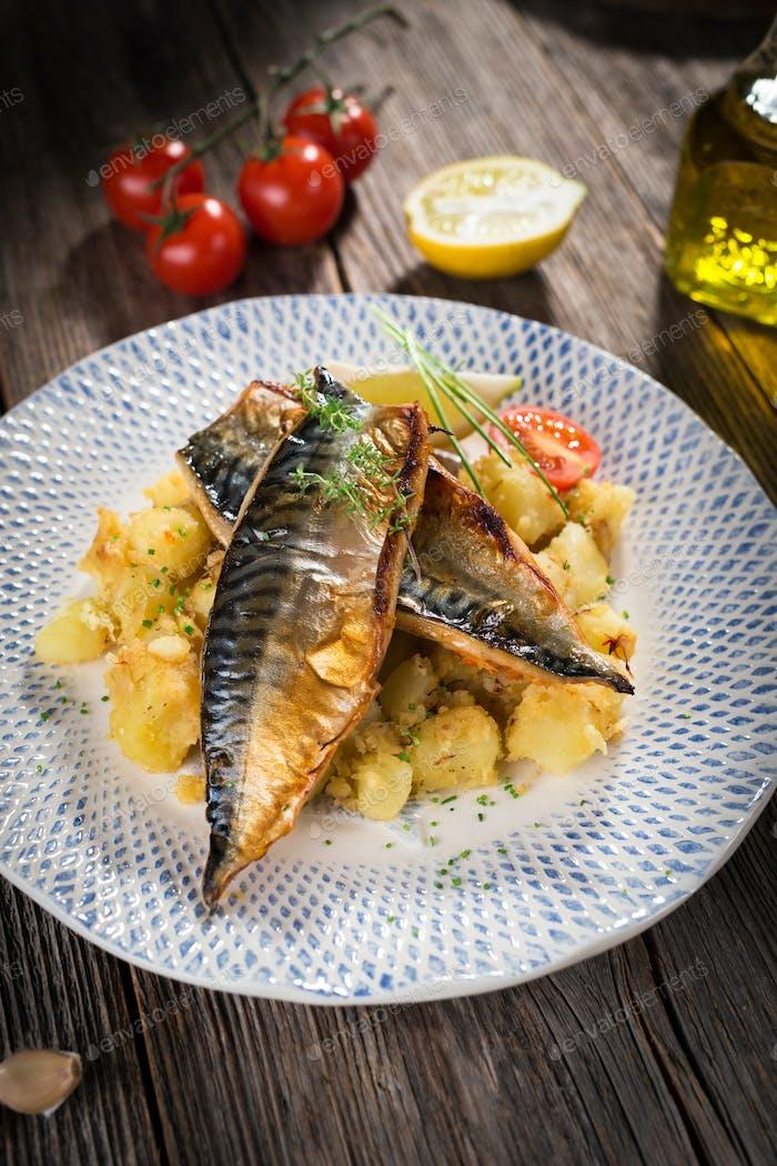 Roasted mackerel fillet with potato