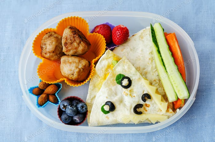 school lunch boxes for kids with food in the form of funny faces
