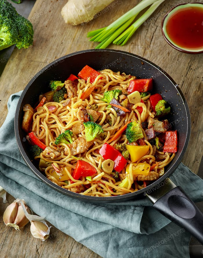 Asian egg noodles with vegetables and meat