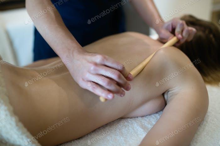 Thai-Massage-Therapeut Behandlung Patienten