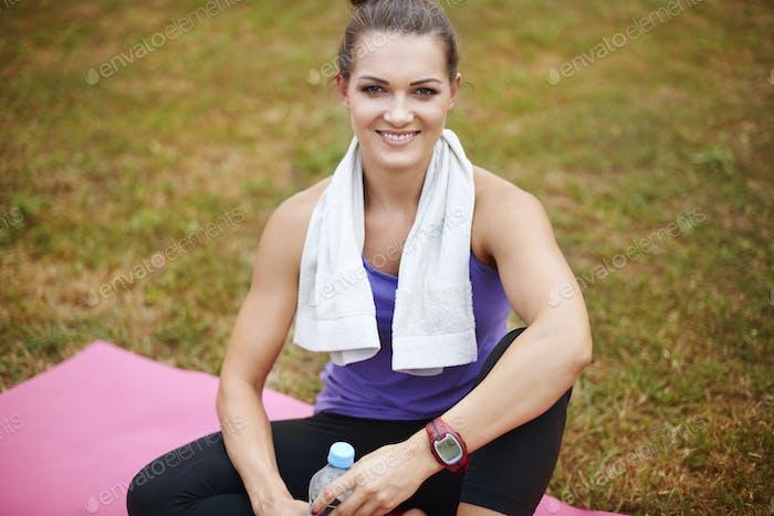 Portrait of sportswoman in the park