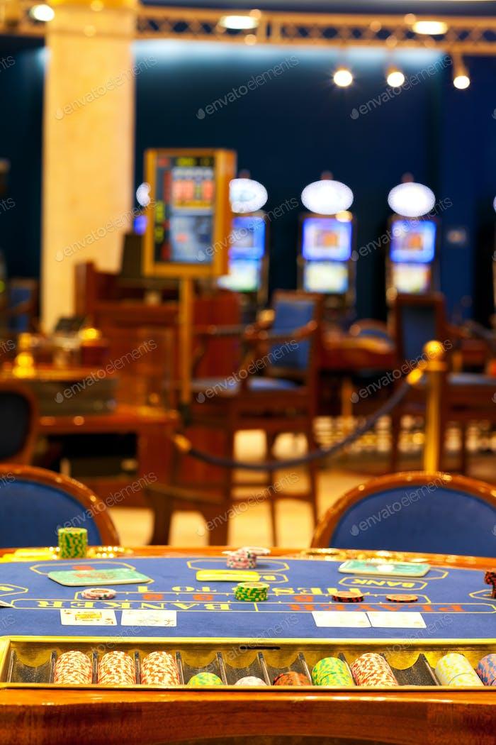 alone blackjack table