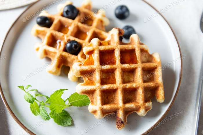 Vanilla waffles with chocolate chunks
