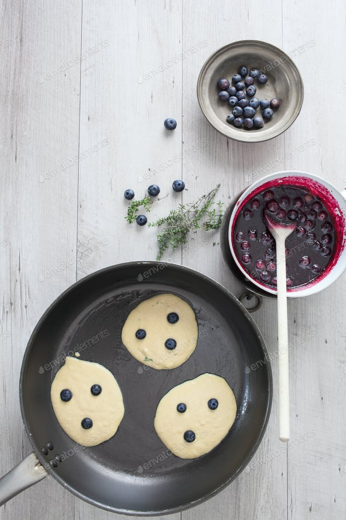 Blueberry Pancakes Cooking