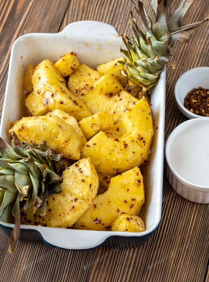 Baked pineapple with chilli flakes