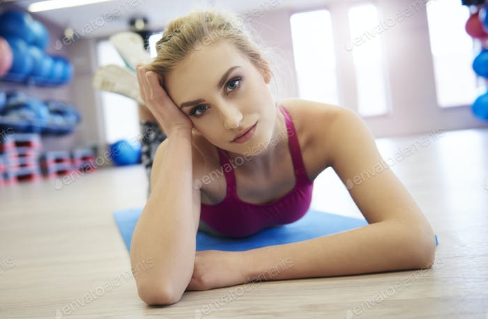 Blond woman hair resting after workout