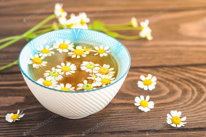 Organic daisy tea
