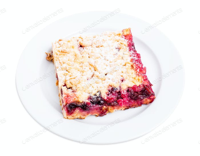 Delicious cherry pie with powdered sugar.