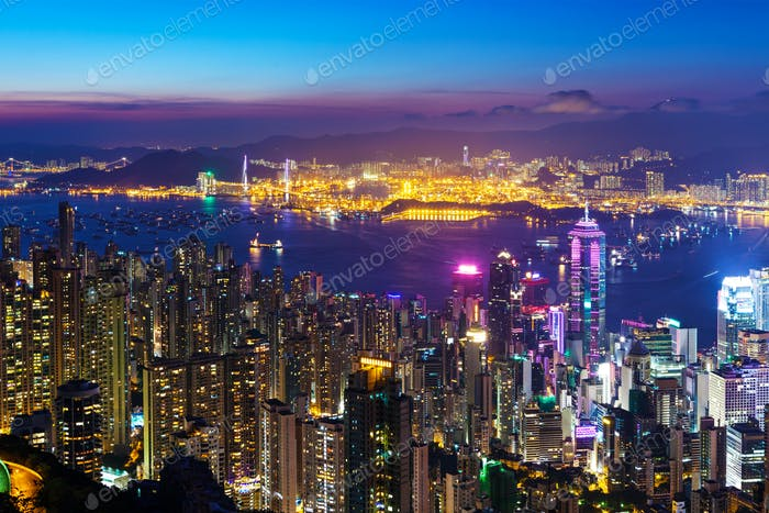 Skyline der Stadt Hongkong bei Nacht