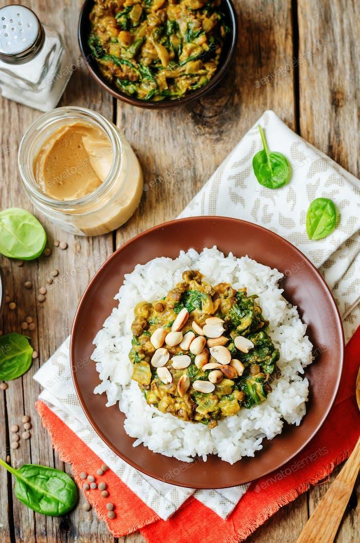 Linsen, Erdnussbutter Spinat Curry mit Reis