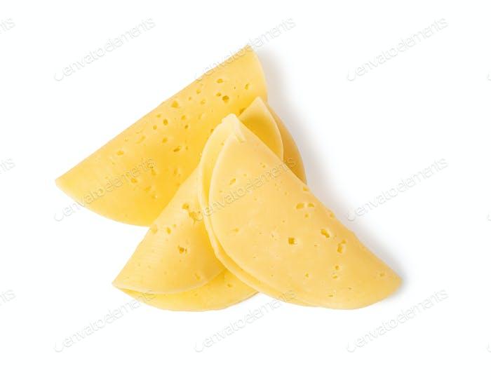 Käsescheibe auf weißem Hintergrund