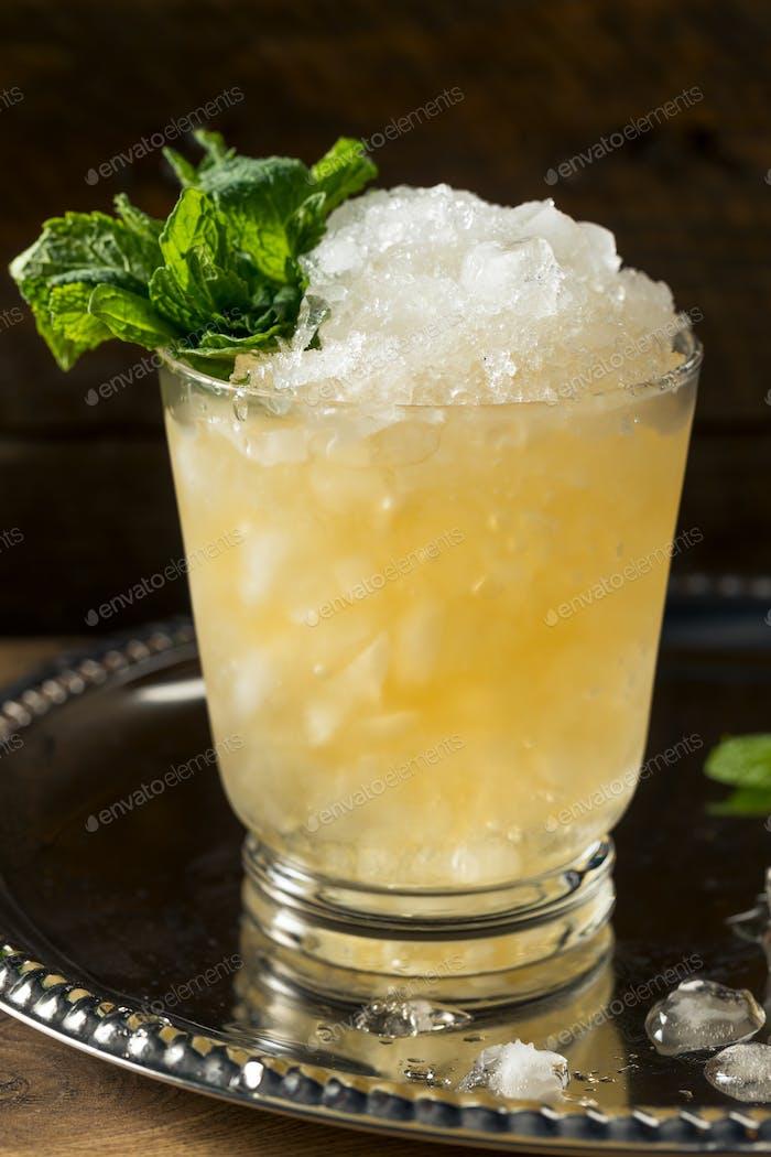 Frozen Boozy Bourbon Minze Julep