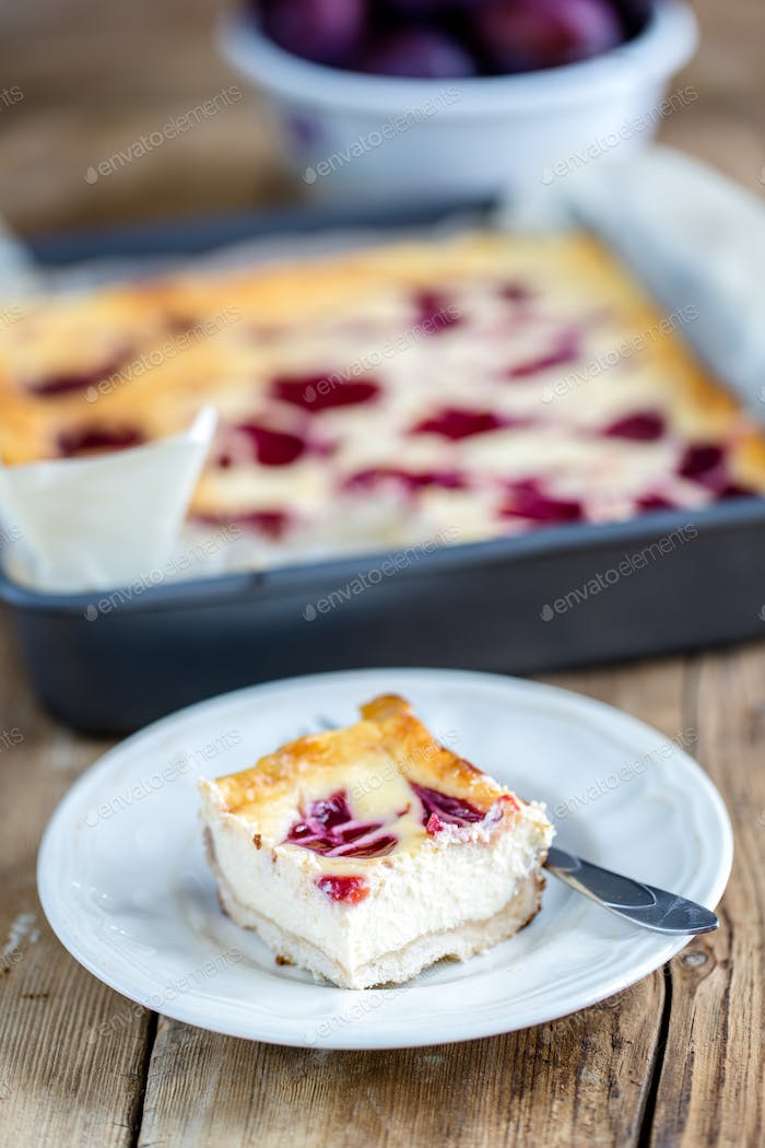 Cheesecake with plums - the best homemade pastries
