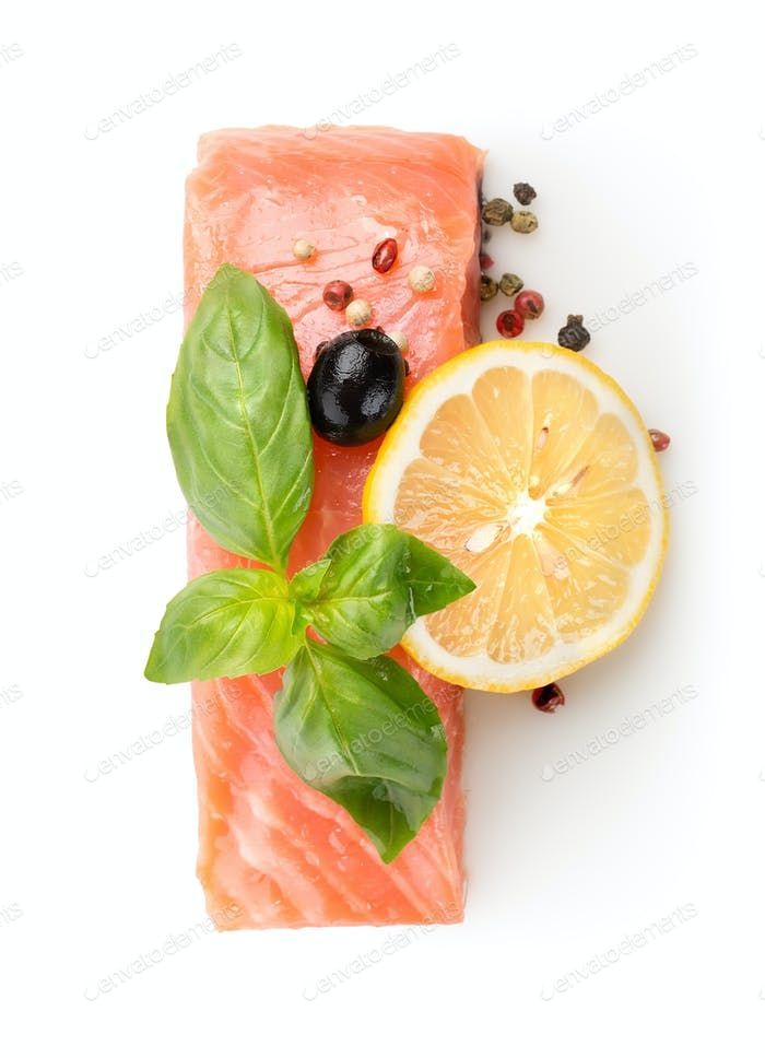 Fillet of salmon with lemon and olive
