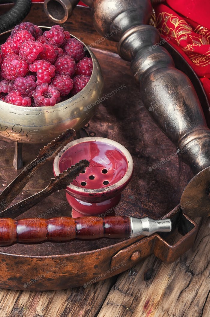 Shisha hookah with raspberries