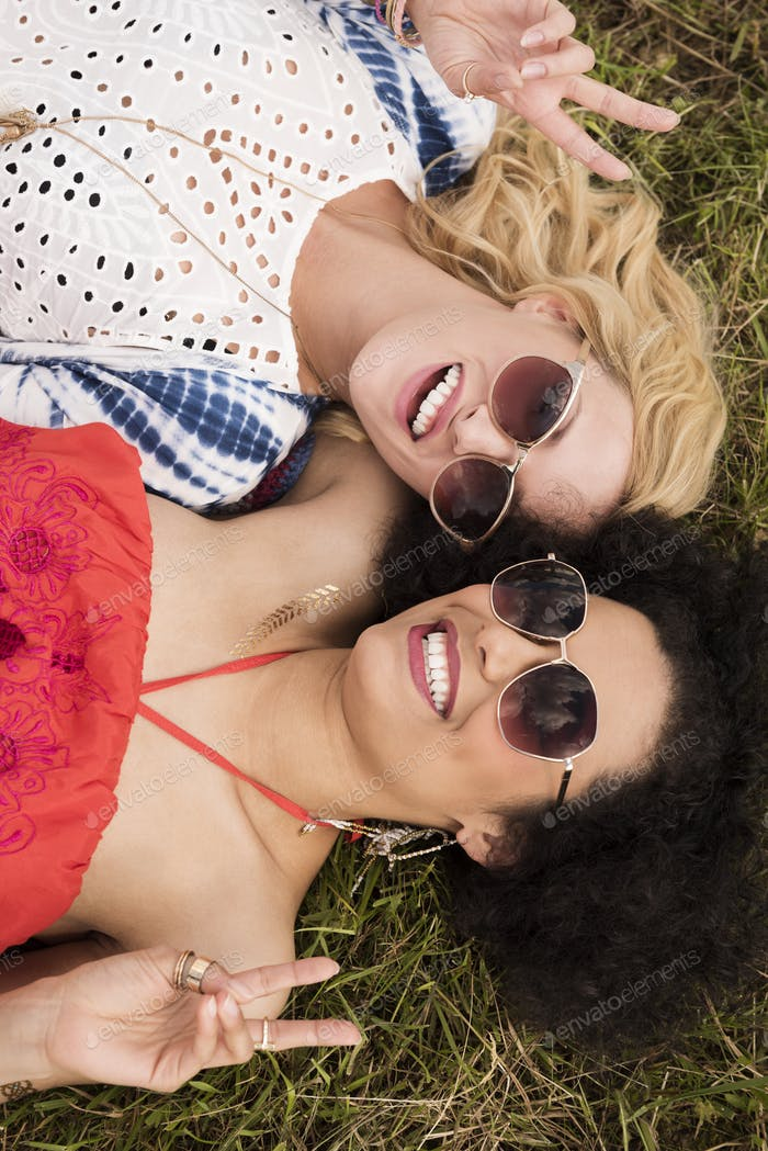 Mädchen mit Spaß auf Sommerfest