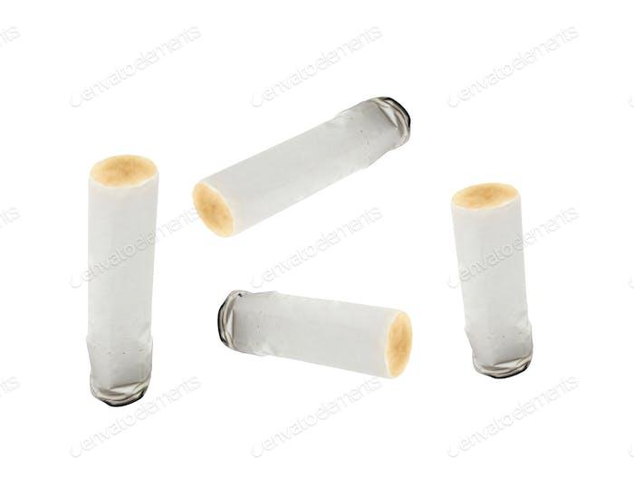 konsumierte Zigaretten in weiß