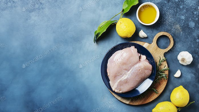 chicken breast with lemons, rosemary and pepper