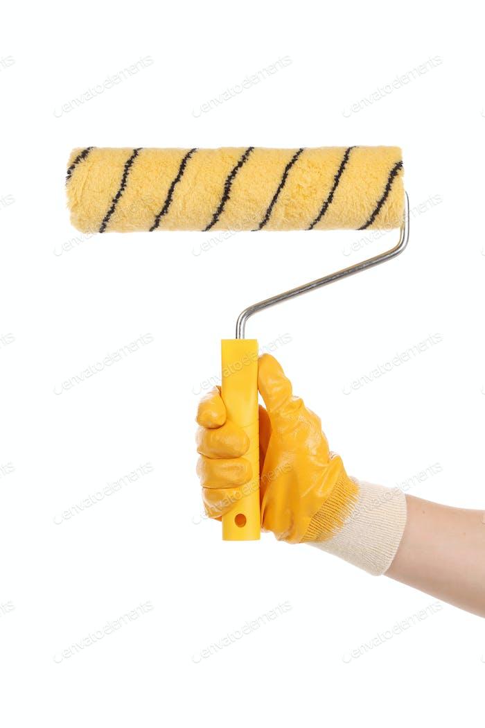 Рука с кисточкой