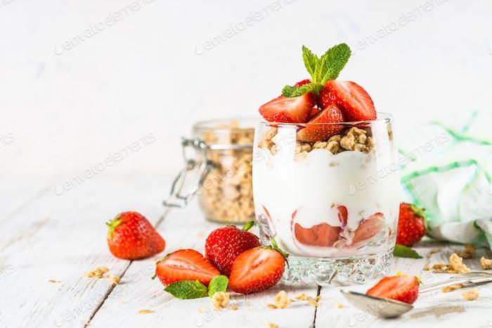 Greek yogurt parfait with strawberry