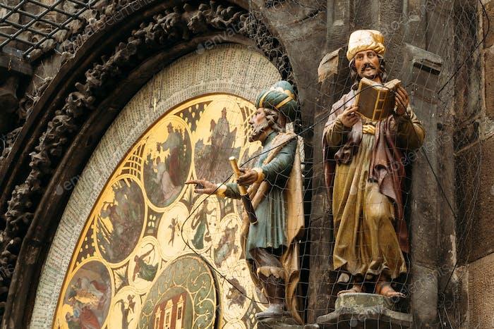 Die astronomische Uhr oder Prager Orloj ist eine mittelalterliche Uhr in P