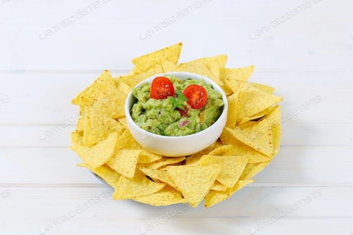 Guacamole mit Tortilla-Chips