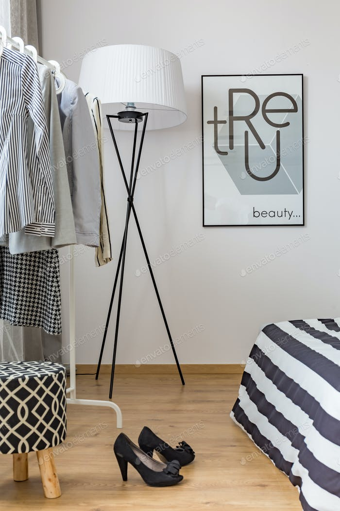 Одежда в спальне