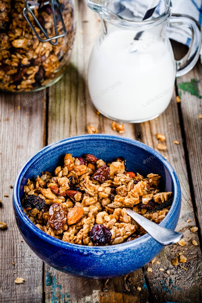 Breakfast: homemade granola with raisins and nuts