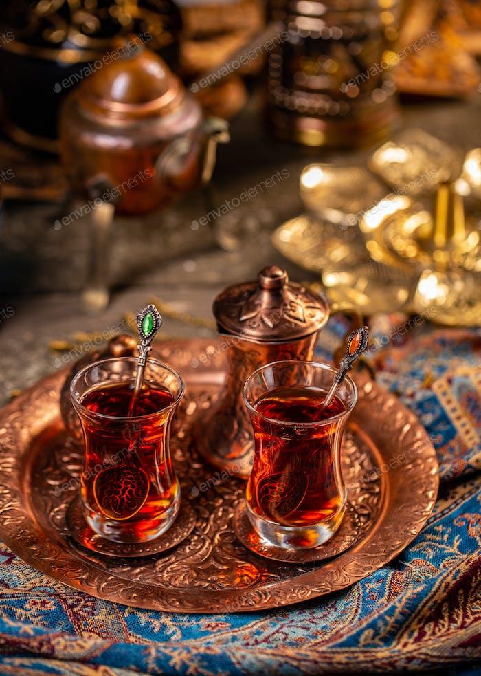 Black Turkish tea i