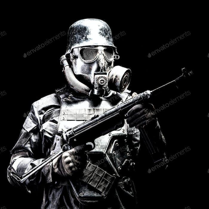 Futuristische Nazi-Soldat Studioaufnahme