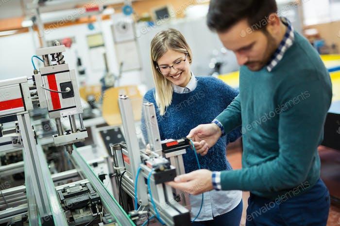 Studenten Ingenieurunterricht Projekt