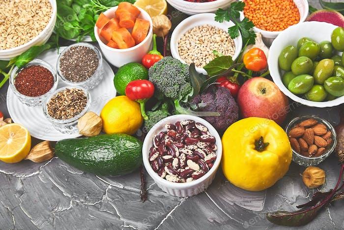 Gesunde Nahrungsauswahl, sauberes Essen. Obst, Gemüse, Samen, Superfood
