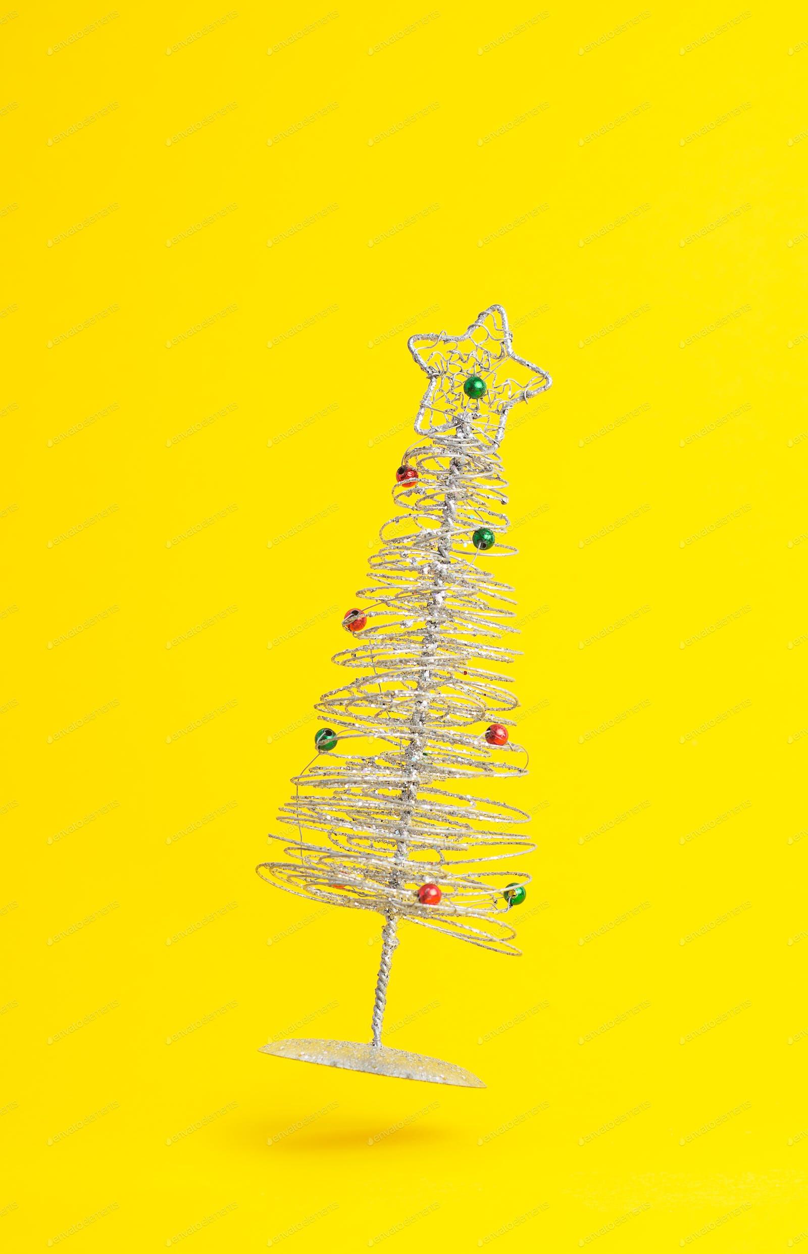 Christmas tree Foto von bogdandreava auf Envato Elements