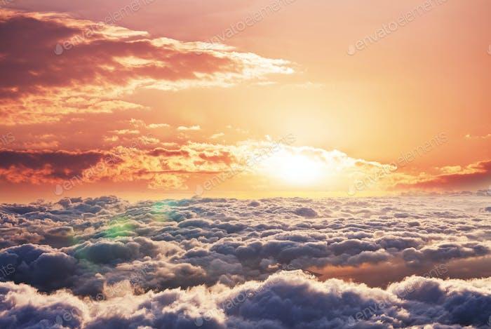 Über Wolken